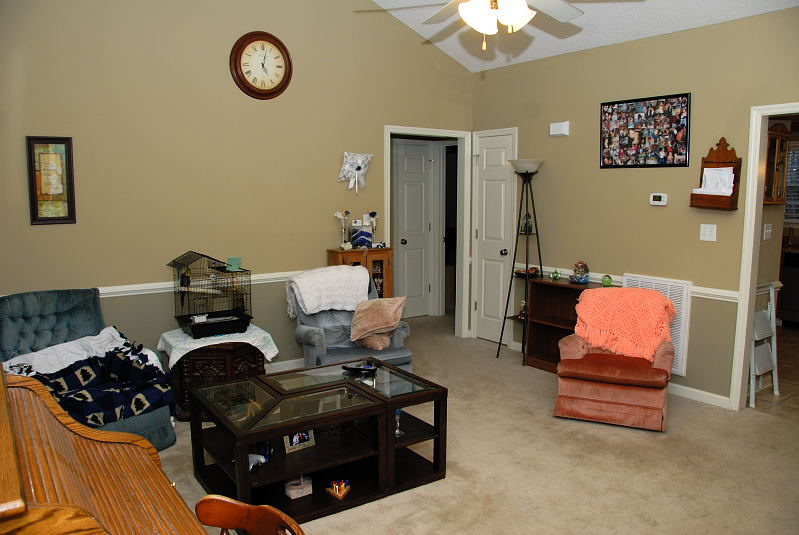 Goldsboro NC - Homes for Rent - Family Room - 103 Karrie Ann Place Pikeville NC 27863