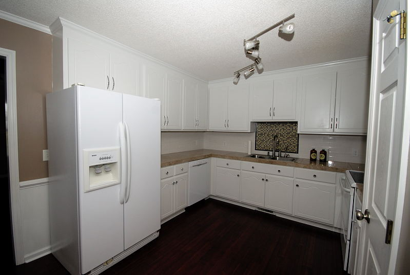 Goldsboro NC - Homes for Rent - 103 Starcrest Drive Pikeville NC 27863 - Kitchen