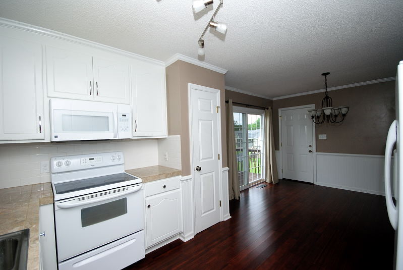 Goldsboro NC - Homes for Rent - 103 Starcrest Drive Pikeville NC 27863 - Kitchen - Dining Area