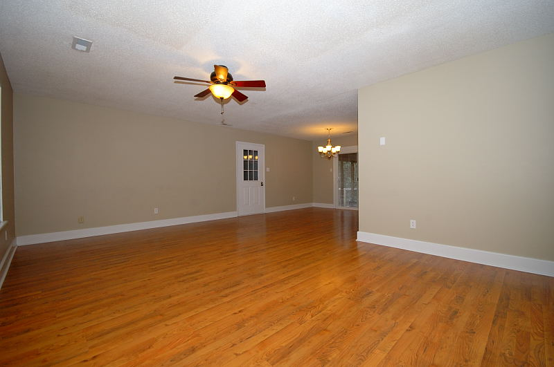 Goldsboro NC - Homes for Rent - Family Room - 107 Sparrow Court Pikeville NC 27863