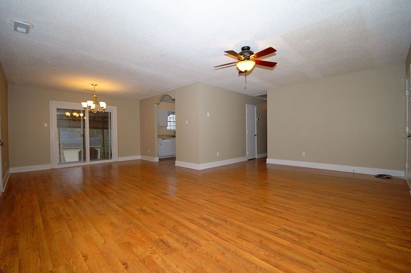 Goldsboro NC - Homes for Rent - Family Room / Dining Room - 107 Sparrow Court Pikeville NC 27863