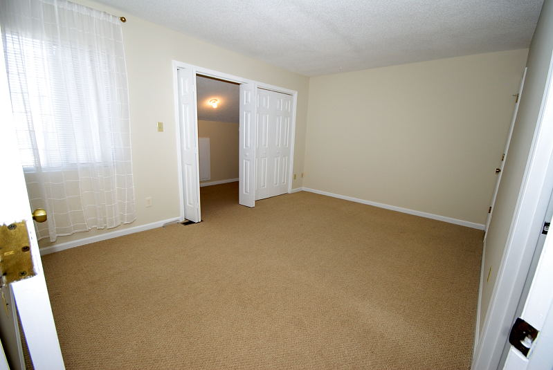 Goldsboro NC - Homes for Rent - Master Bedroom - 2008 Stephen's Court Goldsboro, NC 27530