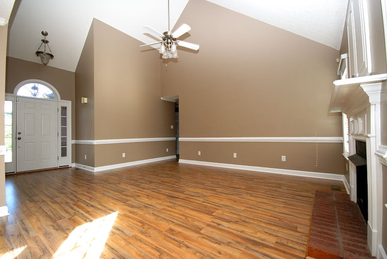 Goldsboro NC - Homes for Rent - 203 Summer Wind Drive Goldsboro NC 27530 - Family Room