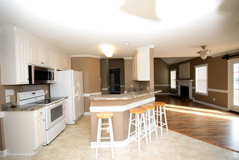Goldsboro NC - Homes for Rent - 203 Summer Wind Drive Goldsboro NC 27530 - Kitchen / Dining Room