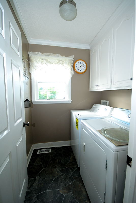 Goldsboro NC - Homes for Rent - 203 Summer Wind Drive Goldsboro NC 27530 - Laundry Room